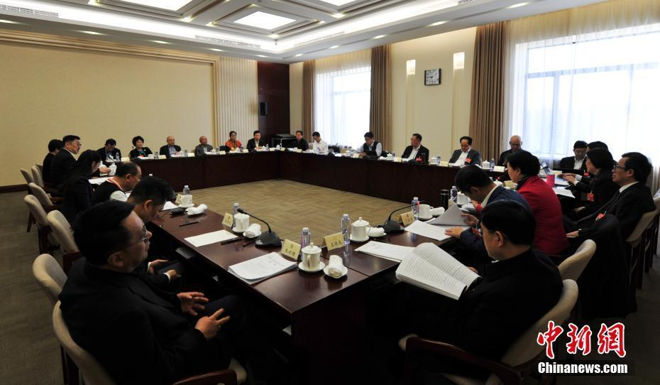 政协中华全国归国华侨联合会界别举行小组会议