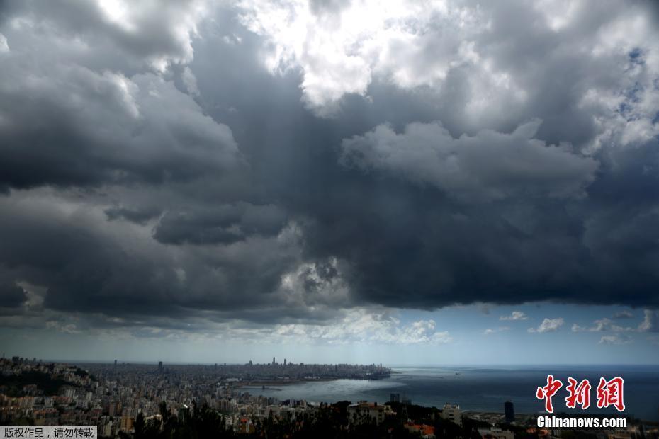 黎巴嫩首都黑云压城 场景壮观